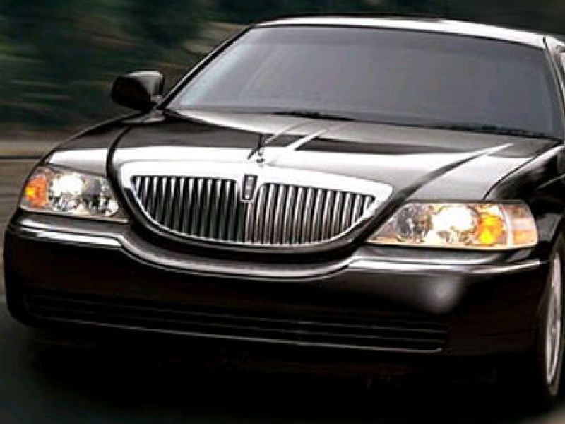 Luxury Sedan Town Car